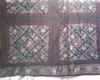 Rose Lap Quilt with 2 Pillows  (Item # 1305)