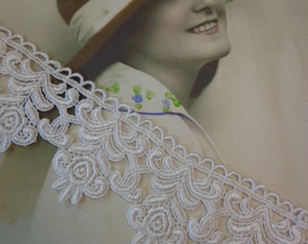 """Gorgeous 2 1/4"""" Wide Venice Lace Trim in White (1 yard)"""