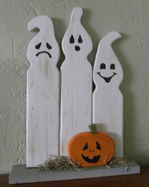 Items similar to halloween ghosts decoration on etsy - Decoration halloween a fabriquer ...