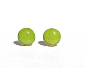 Inch worm green stud earrings, green post earrings, gift, eco friendly jewelry, wood earrings, minimalist jewelry eco fashion for her