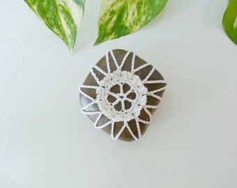 White Flower 3D Crochet Lace Stone River Rock Bounty of Nature Table Decoration Beach Home Decor Unique Gifts