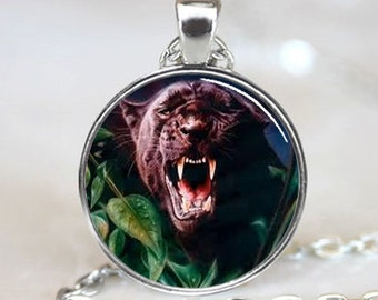 Black Panther  Pendant , Resin Pendant, Pendant, Photo Pendant (PD0121)