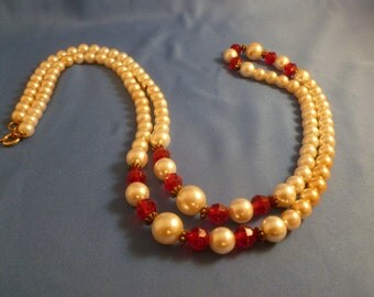 Vintage Pearl and Red Beaded Necklace.