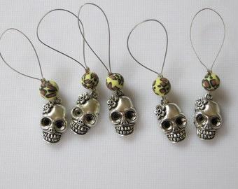 Skull knitting stitch markers