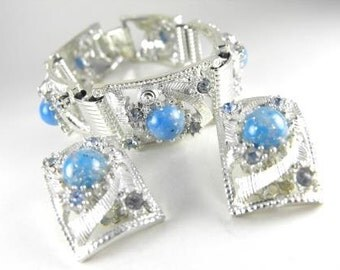 Vintage Jewelry Set Confetti Lucite Demi Bracelet With Matching Earrings Earth Like Cabs