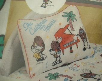 Vintage standard-size  california raisins pillow case NEW
