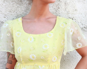 Vintage 1960s sheer floral dress SIZE SMALL