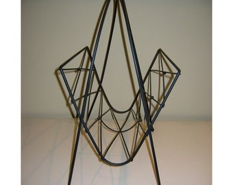 Vintage Diamond Shape Matte Black Metal Wire Magazine Rack with Ball Detailing