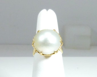 Ladies, Vintage, Estate, White, Mabe, Pearl, 14K, Solid, Yellow, Gold, Ring