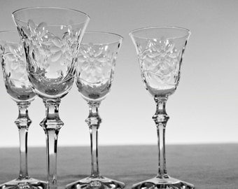 Vintage Cut Glass Cordials with Flower Pattern: Set of 4