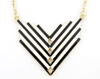 Beautiful Gold-tone Black/White Plate Funky Statement Necklace,B2