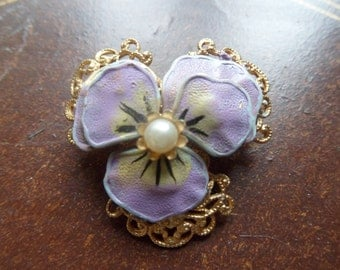 Elegant Gold and Light Purple Pansy Brooch