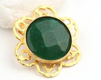 Emerald Green, Flower Jade Pendant, 22k Gold Plated, 1 piece  //  GPP-232