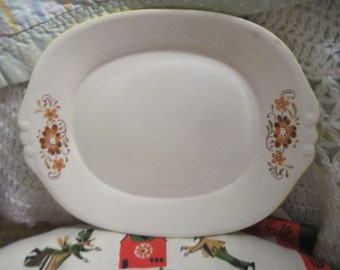 Sweet Oval Flowered Platter / 11 inches long, :)