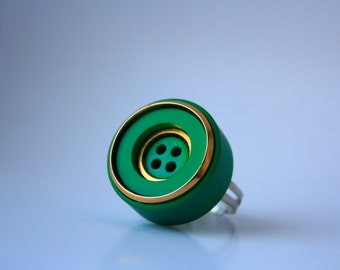 EMERALD GREEN Button Ring - Green and gold vintage button ring with adjustable base