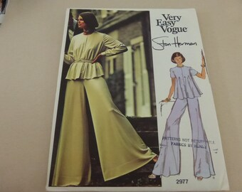 Vintage  Very Easy Very Vogue Americana Pattern 2977  Stan Herman Loungewear  Misses Size 16