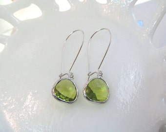 Earrings Apple Green Glass