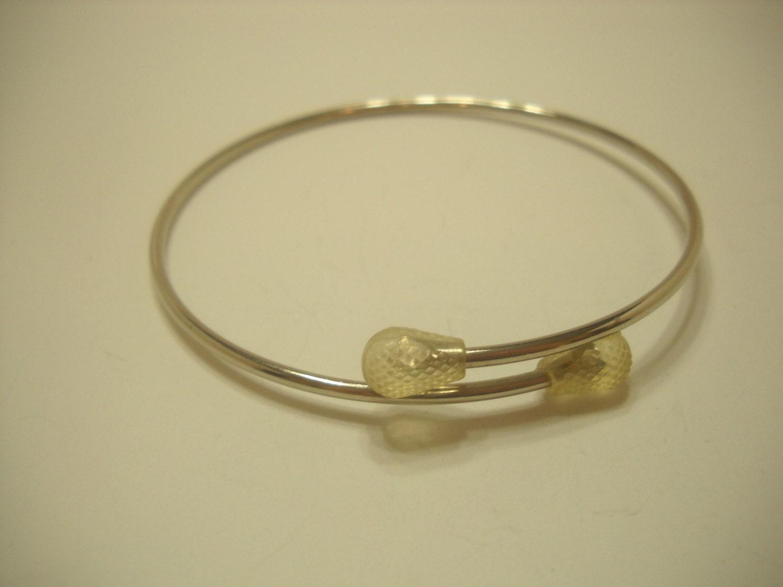 arm bracelet 831 or bangle bracelet