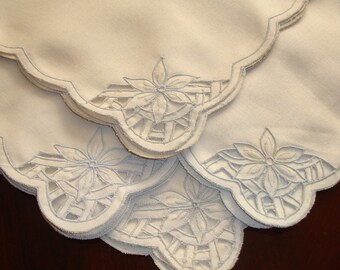 Banquet Dinner napkins set of four 20x20 inches