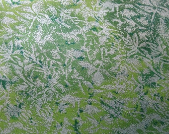 Green Shimmer Table Runner / Ready to Ship
