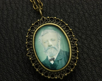 V2-Necklace Watch jules verne