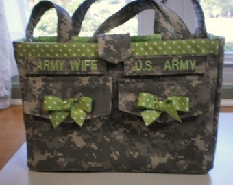 handmade acu purse, authentic uniform fabric,  end back and inside pkts. tapes & rank inc.
