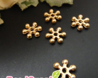 FN-FG-02031- Matted gold plated, Petite star bead cap, 24 pcs