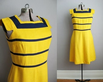 1960s Vintage Dress Navy Yellow 60s Dress Mod Style Grosgrain Ribbon / Medium