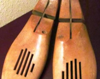 Vintage Pair of Wooden Shoe Stretchers from the Miller Company (*)