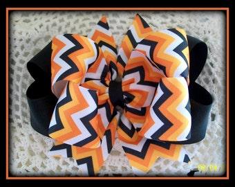 Halloween Chevron Hair Bow..Halloween Bow...Orange and Black Hair Bow...Girls Hair bow...Toddler hair bow...Infant Hair Bow