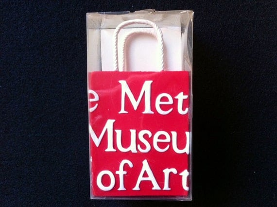Shopping Bag Ceramic Figurine from The Metropolitan Museum of Art, Vintage 1978, In the Original Package, Unopened