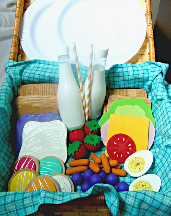 Wooden Picnic Basket Set : Wooden play food picnic set