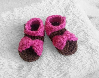 Baby girl crochet pink sandals, newborn sandals, bow sandals, baby shoes, infant sandals, baby gift, photo prop
