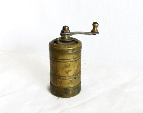 Old Fashioned Spice Grinder