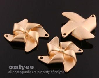 2pcs-21mmX20mmMatt Gold plated Brass 3D folded paper Vane origami Charms,pendants(K603G)