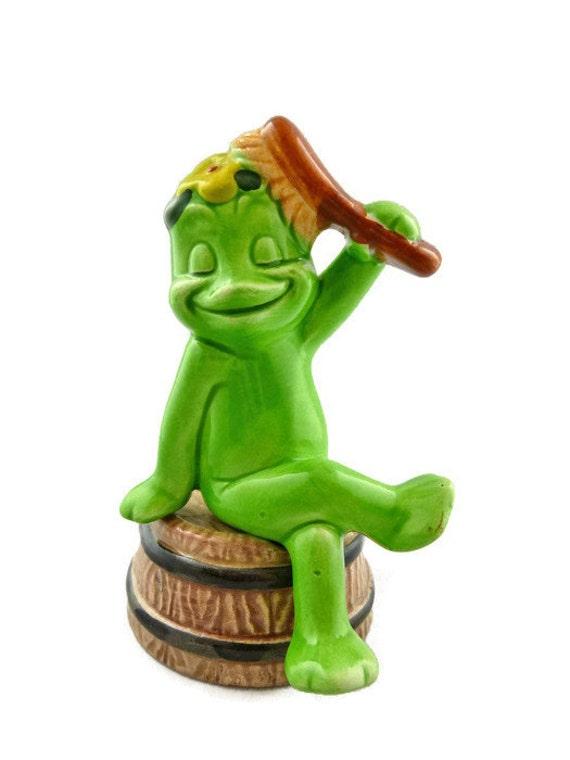 Lefton Frog Sitting on a Barrel Brushing Her Hair - Signed