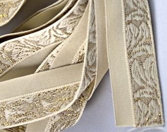 Vintage Cream Floral/Leaf Motif Trim with Gold Threads