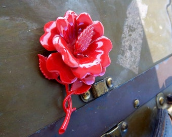 Vintage Retro Red Enamel Flower Brooch 1950/60s