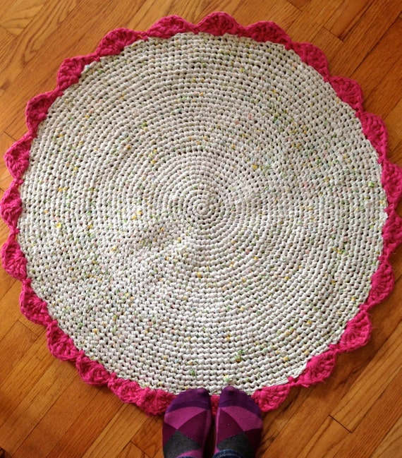 Round Rag Rug Black And White: Items Similar To Rag Rug Round, Recycled, In Pink And