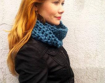 Peacock Teal Handmade Crochet Cowl Scarf - Cozy Neck Warmer - Warm and Stylin - Bulky Knit - Chunky