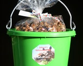 7# Bucket of homemade horse treats, made with all natural ingredients, your horse will love them, comes in a reusable bucket.
