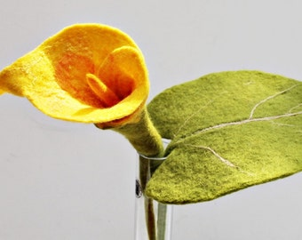 Calla felt blossom yellow flower petals from felt butler for the apartment Calla as a gift for mom gift for your girlfriend Decorations