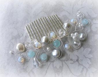R395 - Bridal hair comb crystal and pearl