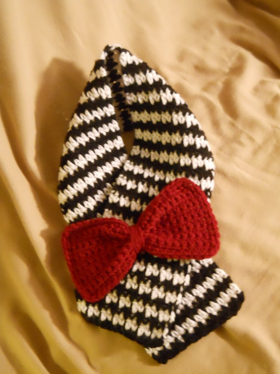 Toddler Black & White Crochet Houndstooth Scarf with Crimson Bow *ROLL ...