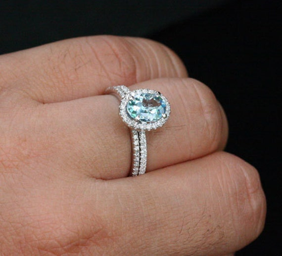 14k White Gold 8x6mm Aquamarine Oval Engagement Ring and