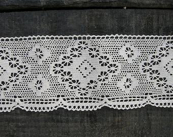 0.78 meters / Cotton Lace Trim / Beige cream colour