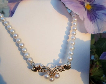 Necklace with Pearls 14 Gold and Diamond