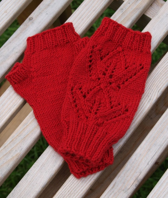 Maple Leaf Knitting Pattern : KNITTING PATTERN PDF Maple Leaves Mitts lace fingerless