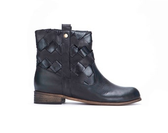 SALE!! Leather Boots, Womens Boots, Black Boots, Flat Boots, Ankle Boots, Black Leather Boots, Motorcycle Boots // Free Shipping