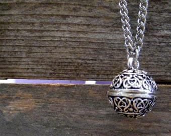 Silver Prayer Box, Locket Necklace, Silver Necklace, Silver Prayer Box, Silver Chain Necklace, Prayer Box Necklace, Mid length Necklace